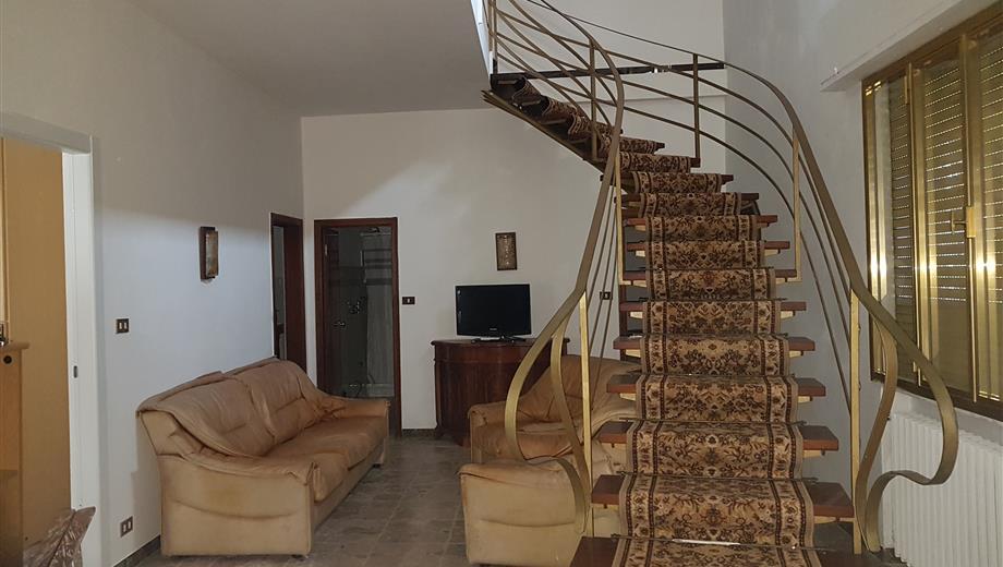 Appartamento casa 160m con giardino indipendente