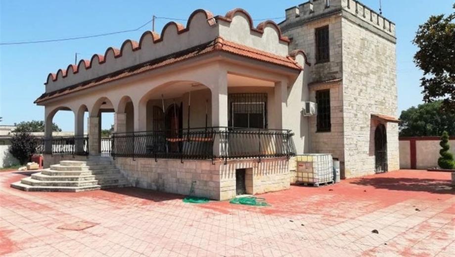 Villa in vendita in strada per trullo, 18