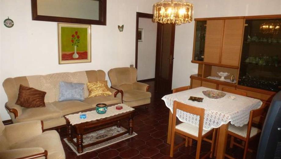 Appartamento 1° piano via Carducci, a Chiusano