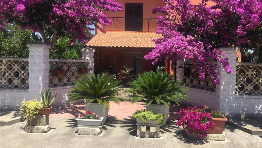 Affitto con riscatto/Villa in via Genova, 33 Ginosa