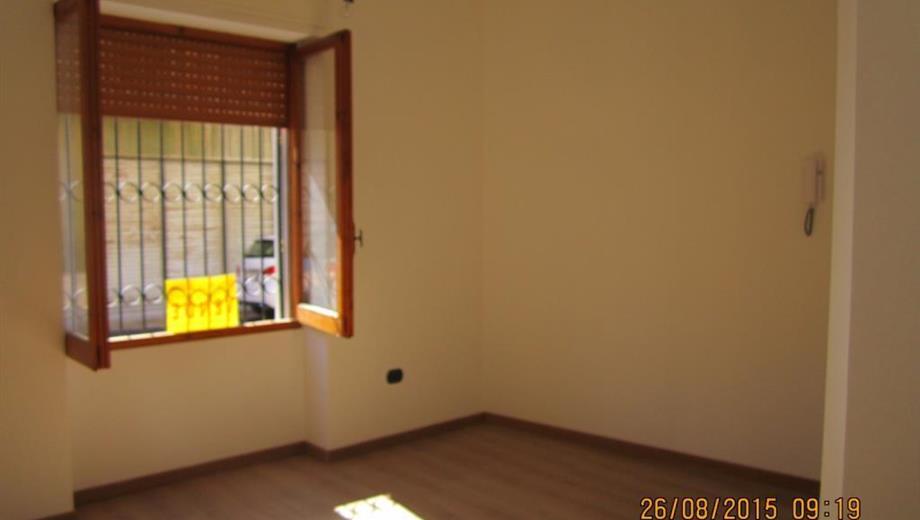 Intero Stabile Uffici + Appartamento