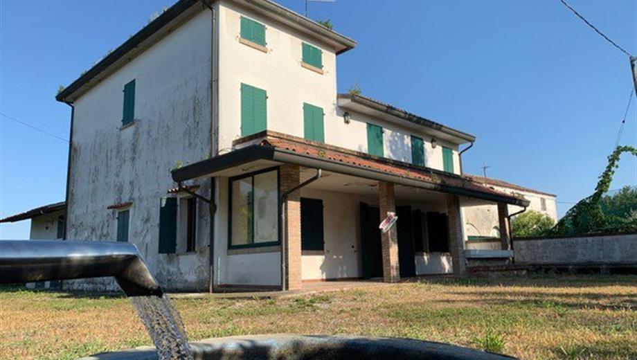 Casa Indipendente in Vendita in Via Corso del Popolo 26 a Trebaseleghe
