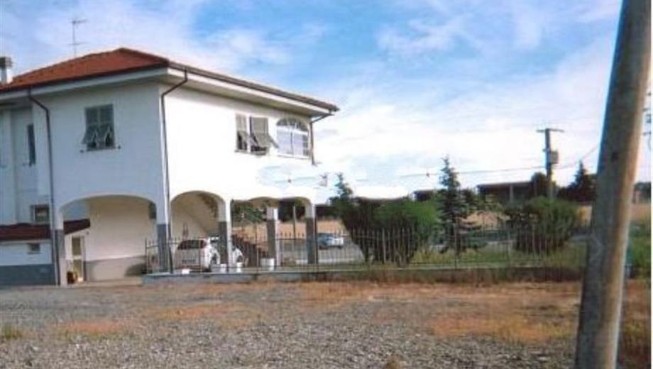 Casa indipendente in vendita in via novi, 66, Basaluzzo
