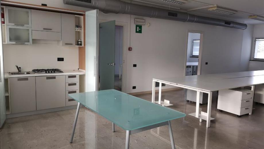 Ufficio in vendita in via Dante Alighieri, 28