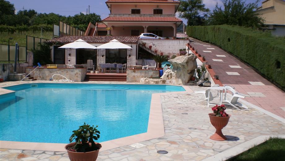 Villa bifamiliare Contrada Benifico 11, Montemarano