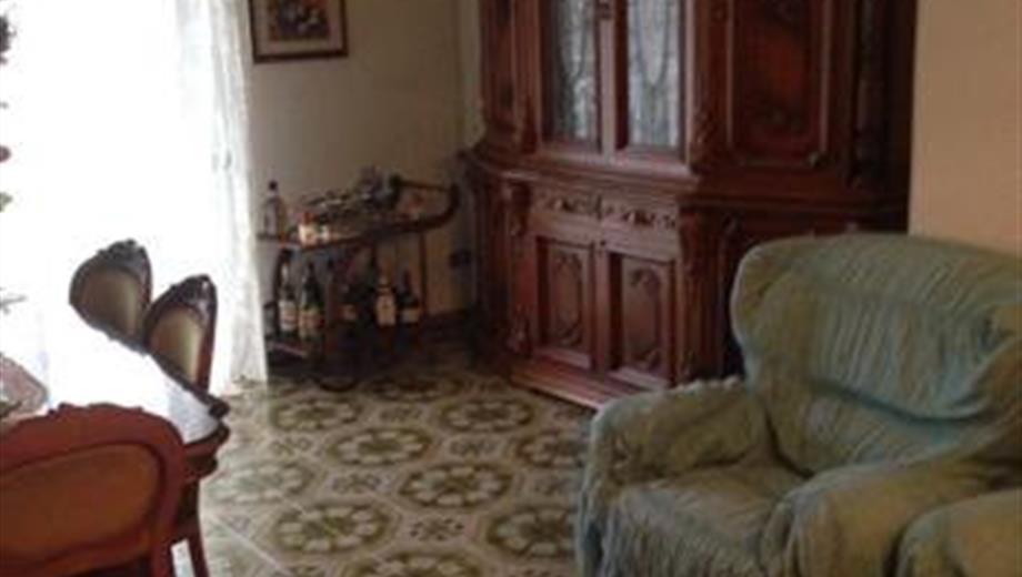 Appartamento al 3 piano di 110 mq mansarda 70.000 €