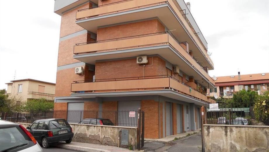 Garage in affitto a Civitavecchia