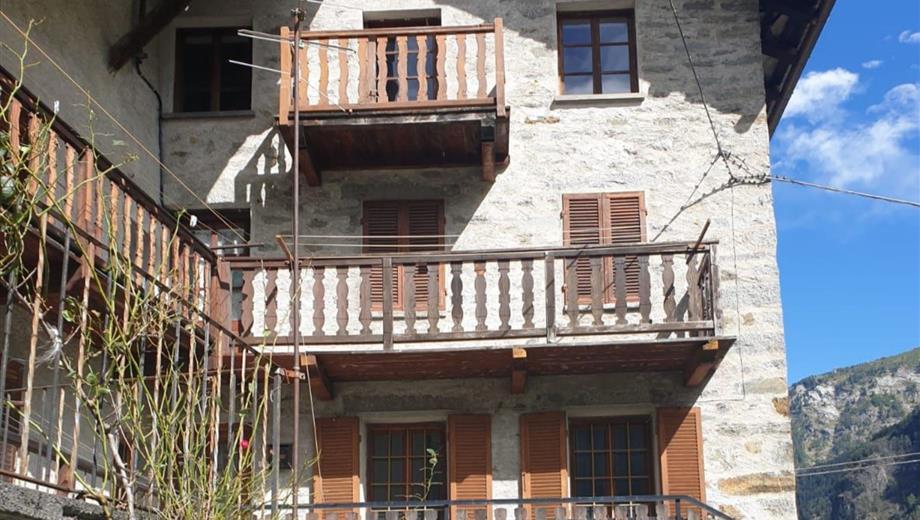 Edificio residenziale in vendita in via champ riond, 147