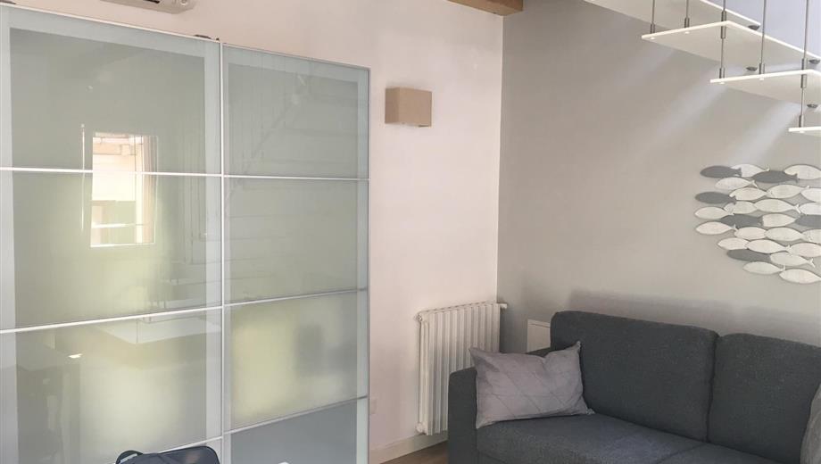 4+4 appartamento mansardato completamente ristrutturato
