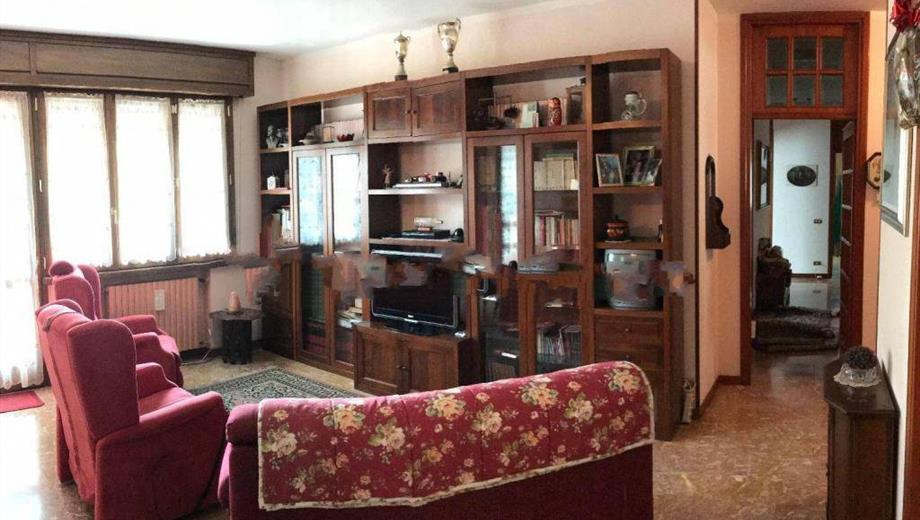 Appartamento in vendita a Casina € 135.000