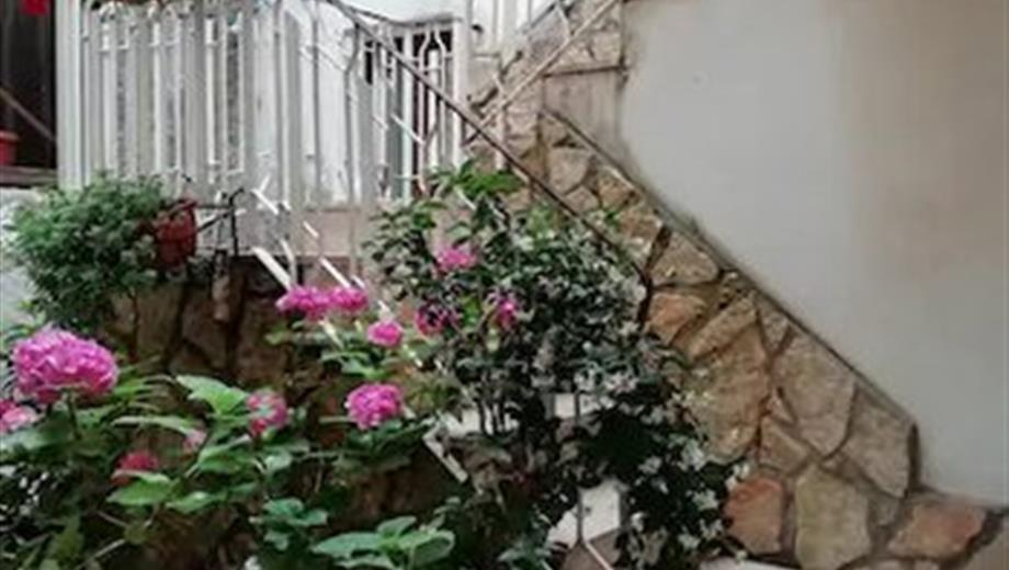Doppio appartamento in vendita a piazza Fontana 52.000 €
