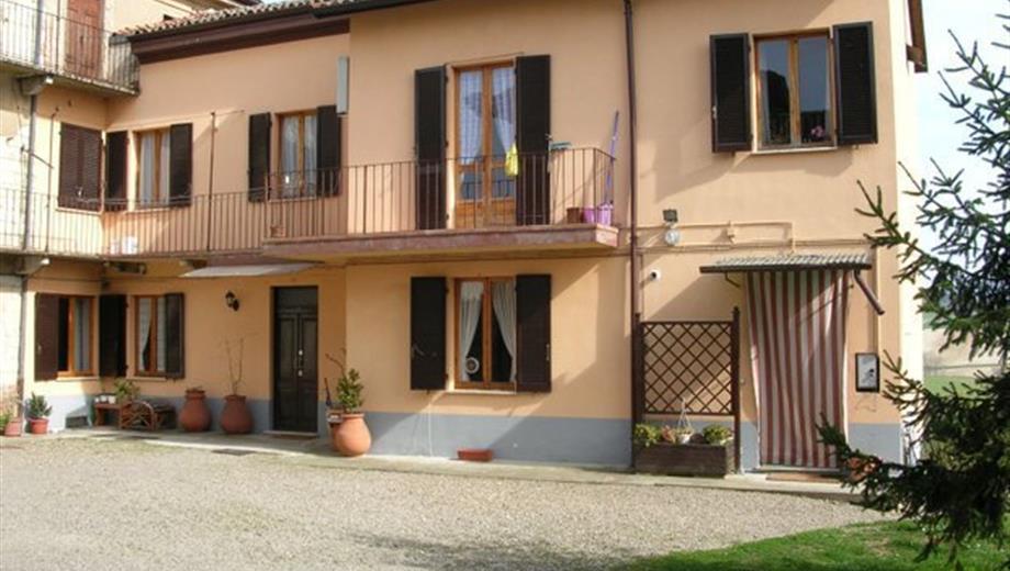 Casa bifamiliare a Tortona-Mombisaggio