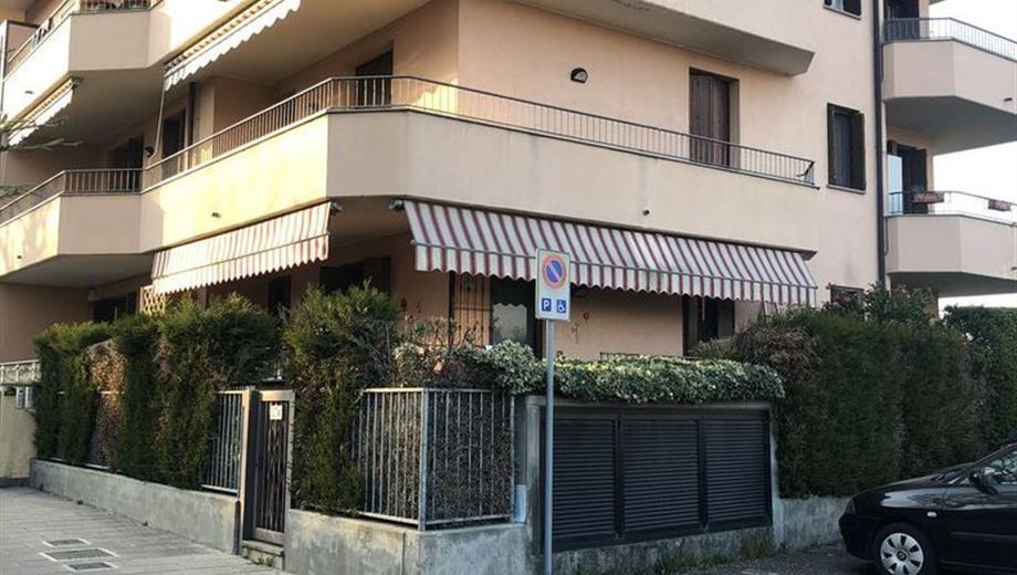 Monolocale in Vendita in Via Galileo Galilei 15 a Ronco Briantino