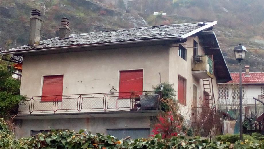 Villa su due piani da ristrutturare