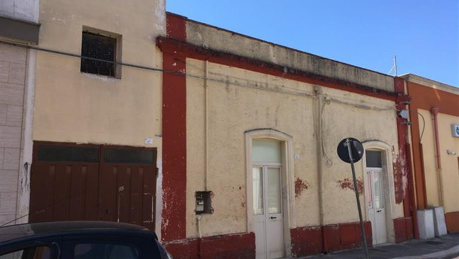 Casa indipendente da ristrutturare San Pancrazio