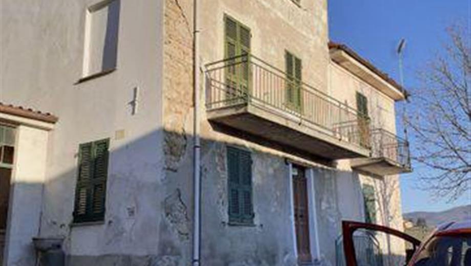 Rustico, Casale in Vendita in Frazione mossabella 2 a Castellania Coppi
