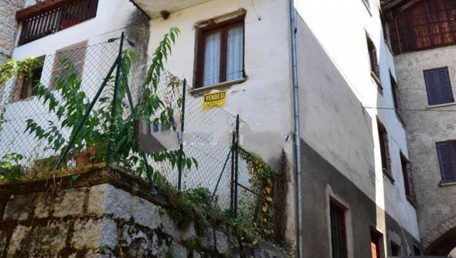 Terratetto unifamiliare via Colle, Castello Tesino € 70.000
