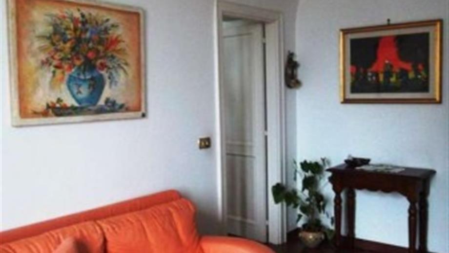 Ampio appartamento con giardino in palazzo storico