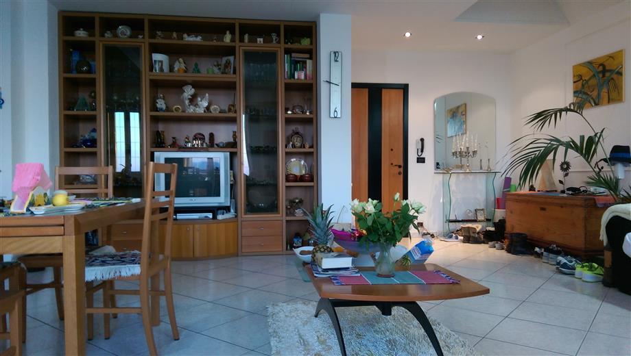Appartamento panoramico vista isole Eolie, Milazzo e Marinello. Arredato, come nuovo.