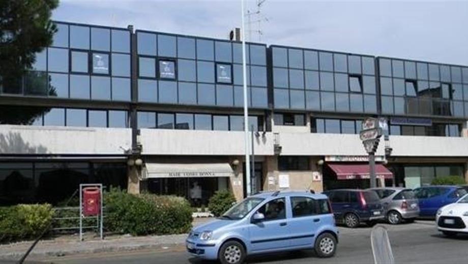Magazzino in affitto in via traversa pistoiese 83 a Prato