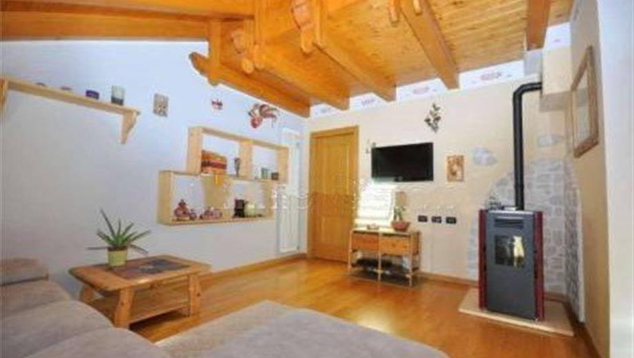 Quadrilocale via Dante Alighieri 168, Roana € 148.000