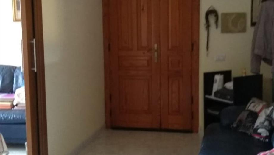Affitto due camere  singole con 2 servizi cucina 3 balconi ascensore spese da condividere