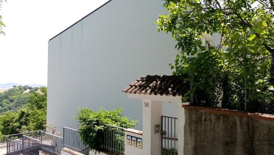 Appartamento (al grezzo) a Montefiore Conca