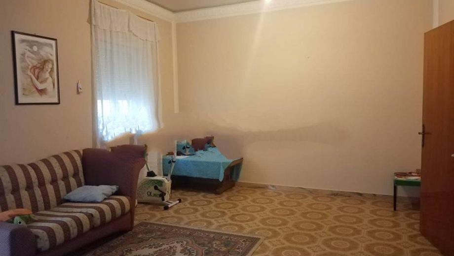 Vendesi appartamento in Via Sicilia 3 a Favara (AG)