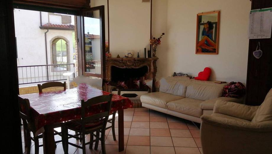 Quadrilocale via Pietro Nenni 6, Montecalvo in Foglia