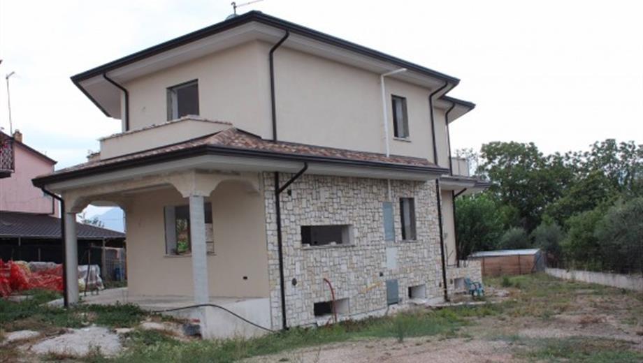 Villa via dei Ciliegi, Santo Stefano del Sole