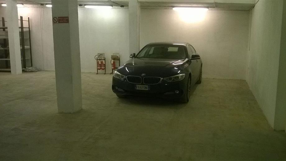 Garage in vendita in via Circonvallazione, 3