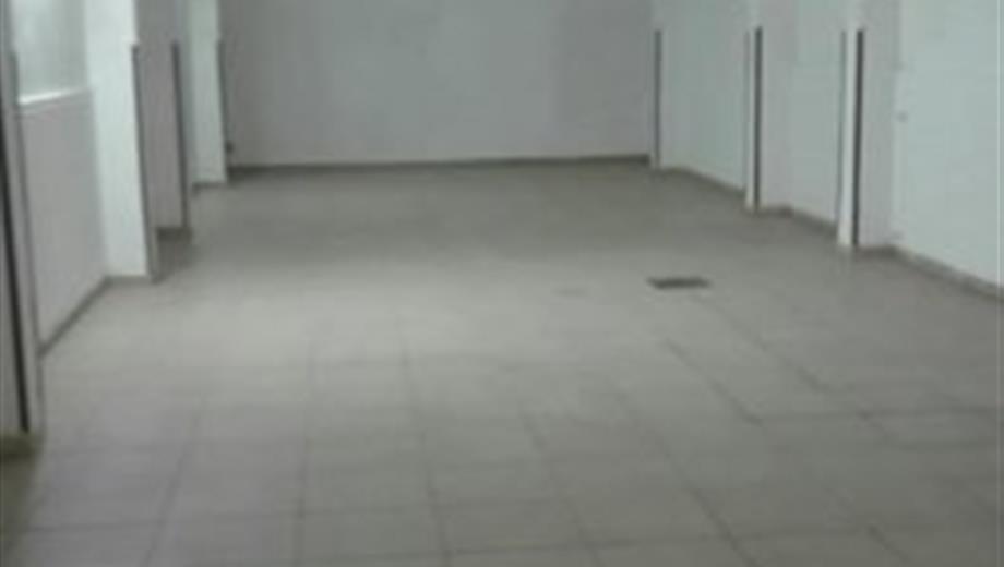 Garage in vendita