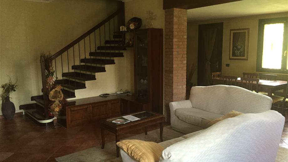 Affitto camere singole e matrimoniali in villetta indipendente.