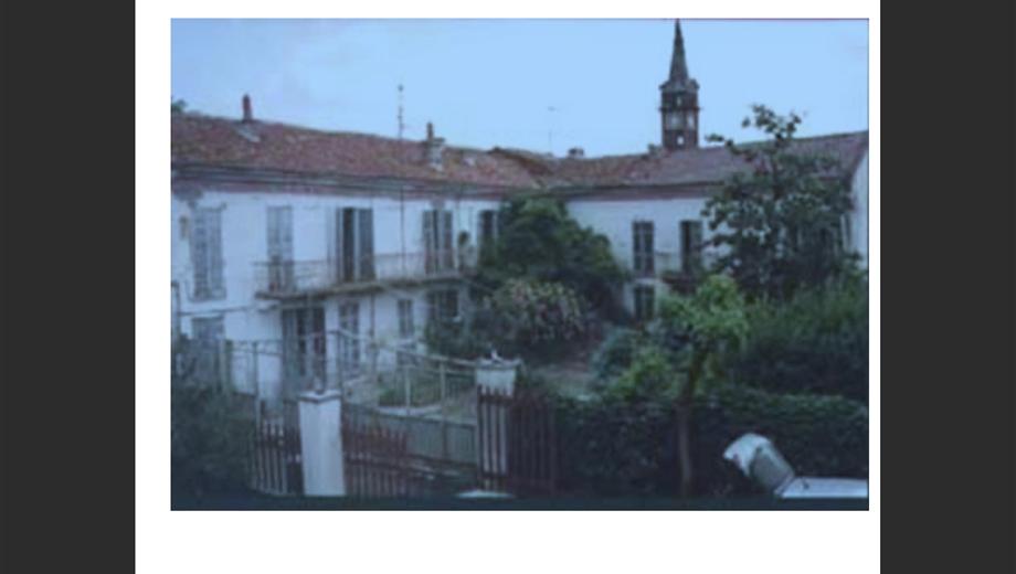 Grande casa immobile 1200 mq con terreno 35.000 mq, Monferrato, 90 minuti Milano, per privati o per attività