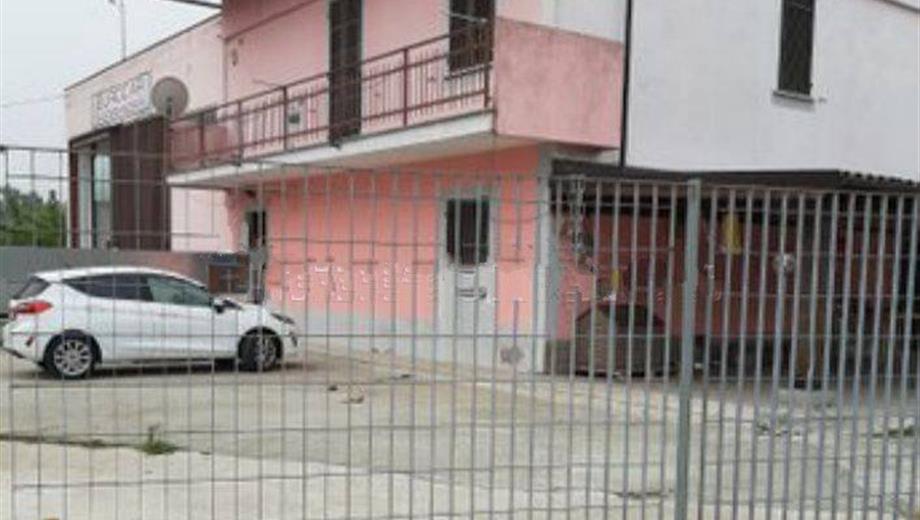 Villa unifamiliare via Casale 42, Alessandria € 270.000
