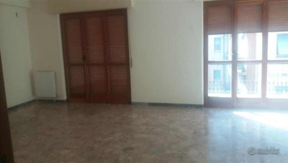 Ampio appartamento in via Cantaffio (Sal. Morelli)