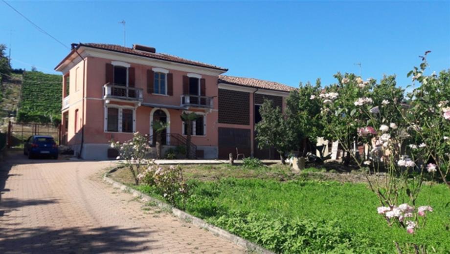 Villa indipendente a Mongardino