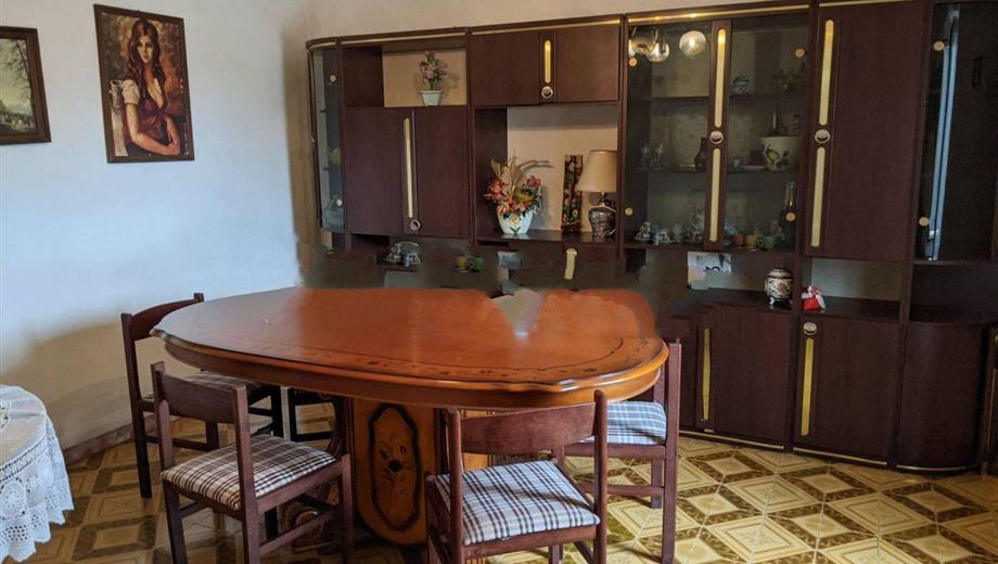 Appartamento in villa via Nettuno, Cisterna di Latina