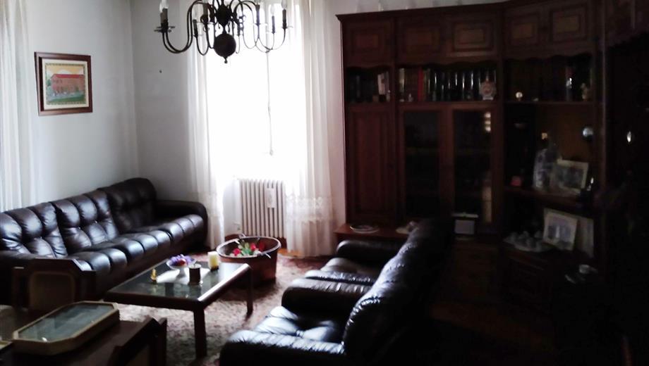 Casa indipendente viale del Mercato Lungo Museglia 1, San Sebastiano Curone € 125.000