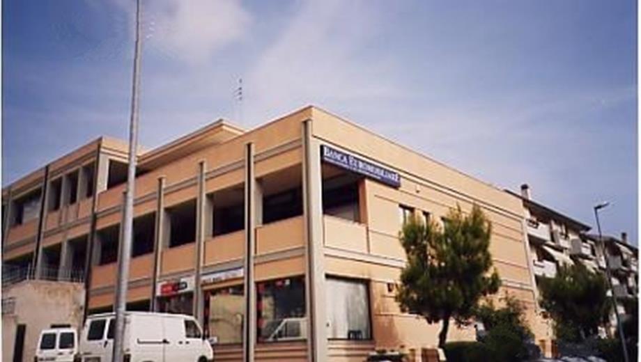 Locale commerciale o ufficio in affitto