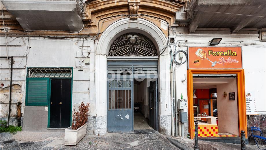 Appartamento arioso e luminoso nel centro storico di Napoli