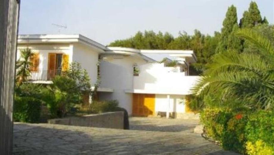 Villa unifamiliare Strada Statale Adriatica, Brindisi