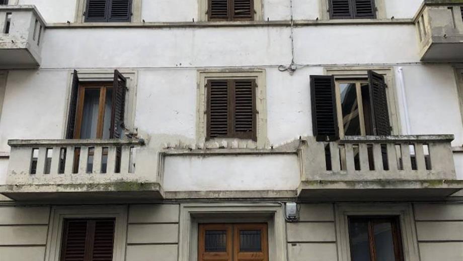 Quadrilocale via Bruno Buozzi 70, Prato