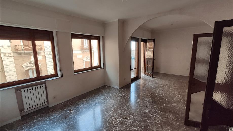 Appartamento vista canale Taranto centro