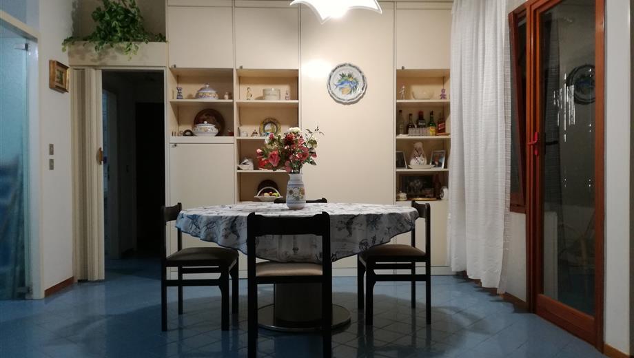 Luminosissimo  appartamento in vendita a Baia Domizia  P.co SIM Cellole Ce.